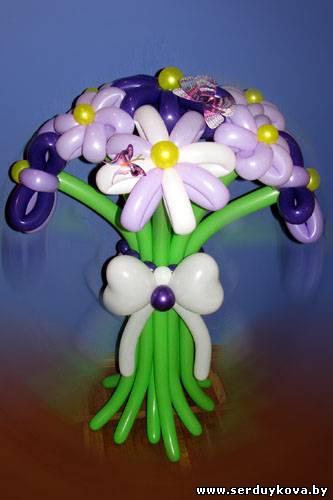 Букет девять ромашек из шаров - фиолетово-белый №02