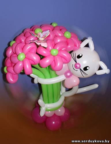 Букет девять цветочков с котиком №01