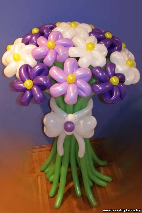 Как сделать букет с цветами из шаров 379