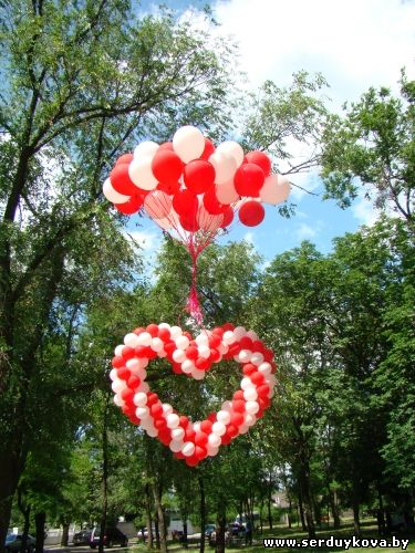 Как сделать из гелиевых шаров сердце